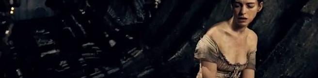 """""""Życie zaczyna się tam, gdzie kończy się nasza bezpieczna przestrzeń…"""" – recenzja filmu """"Les Misérables: Nędznicy"""""""