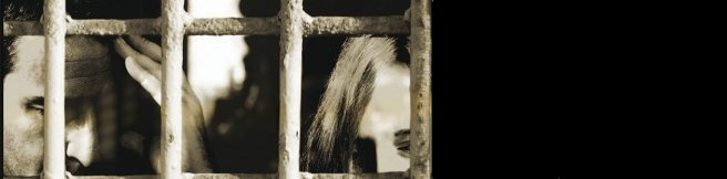 """Kim jest człowiek, który wszedł na drogę przestępstwa? – recenzja książki """"Przestępczość skazanych kobiet i mężczyzn w perspektywie biograficznej"""""""